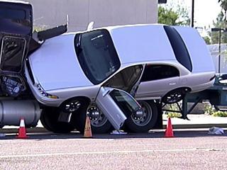 carhauler-wreck.jpg