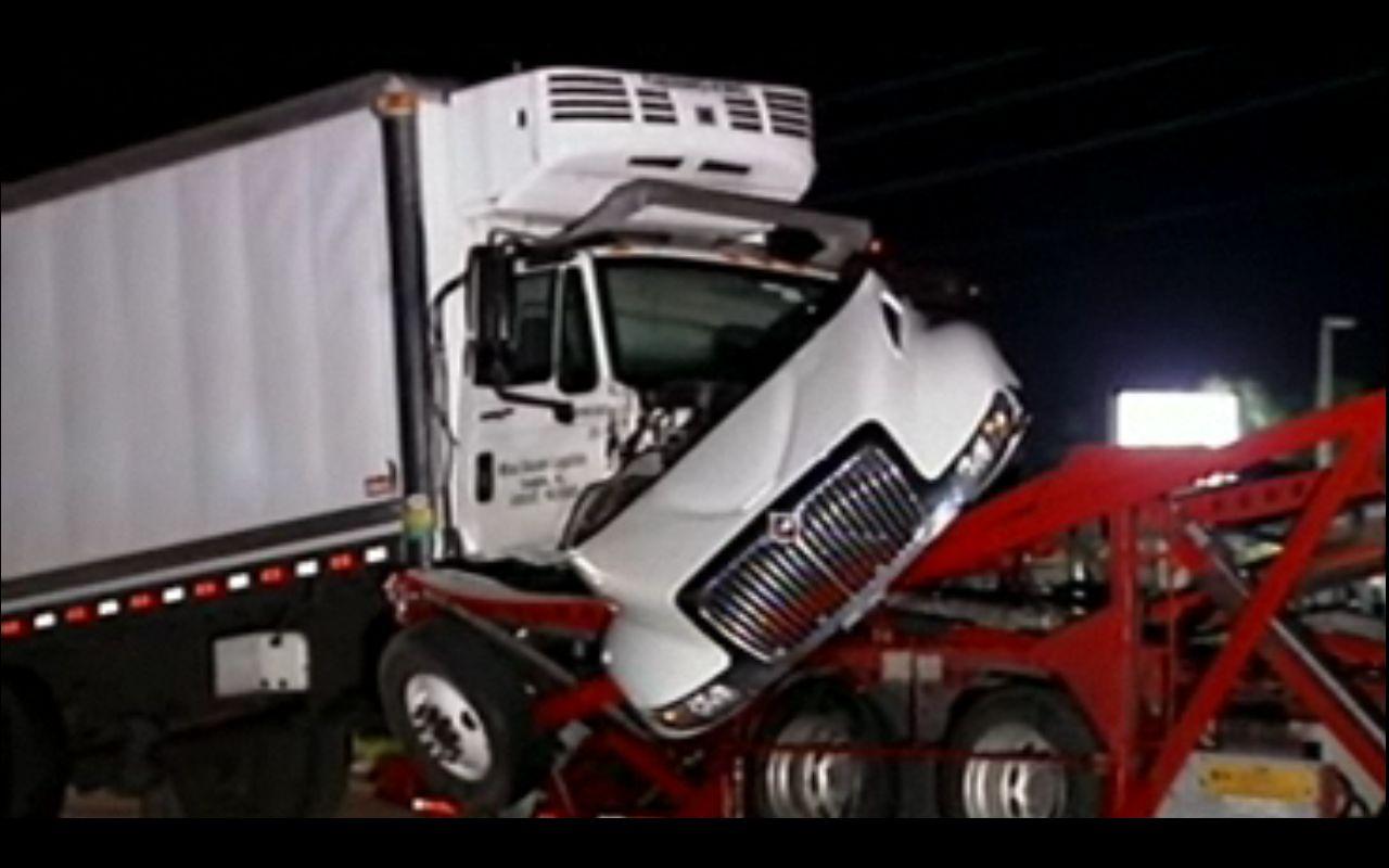 auto transporter wreck