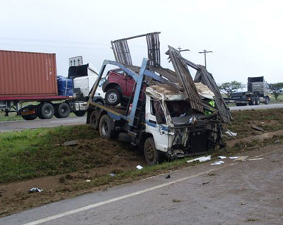 south africa car carrier wreck3
