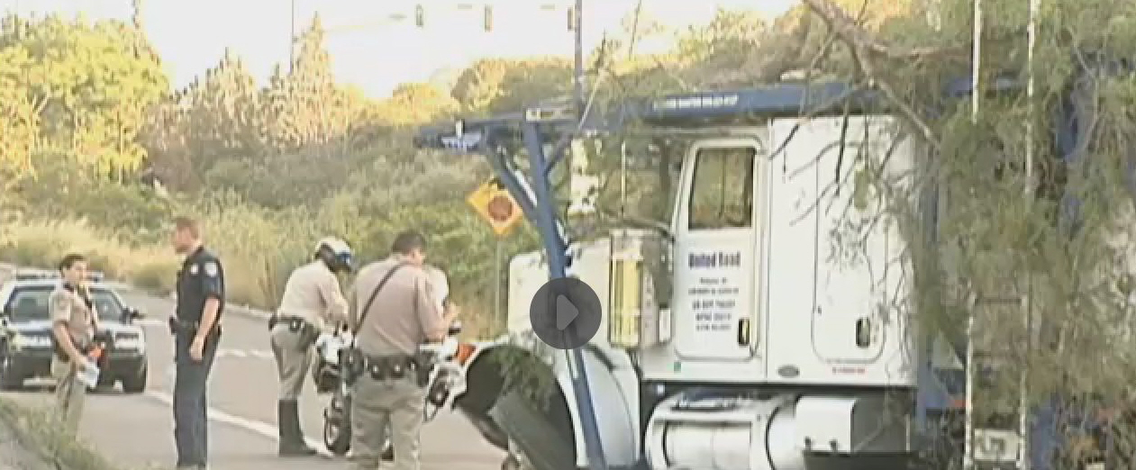 auto transporter united road wreck san diego