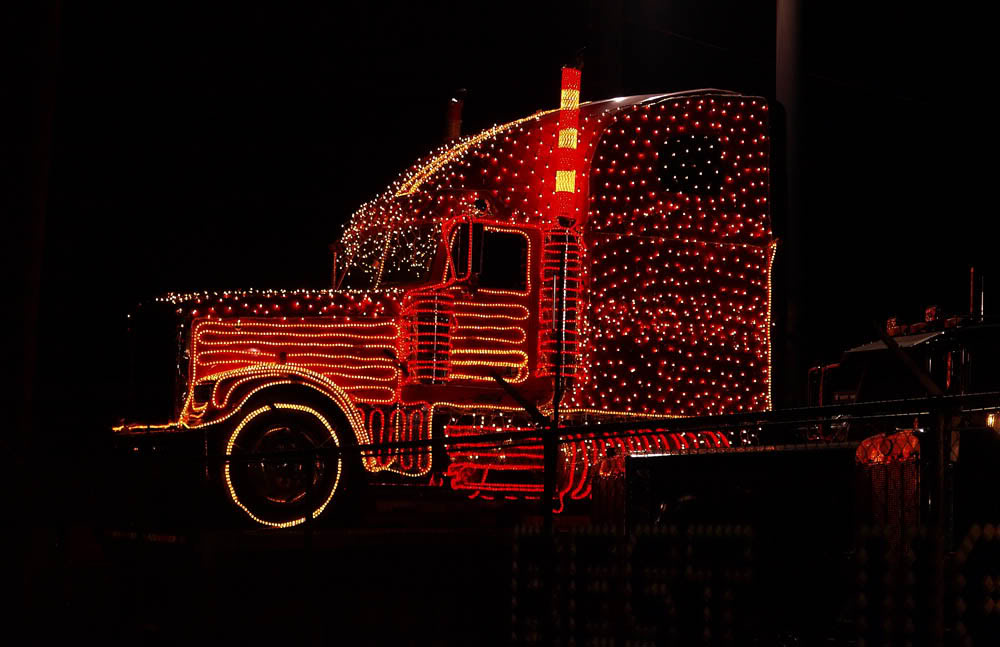Wishing all of you car haulers and auto transporters a Merry Christmas